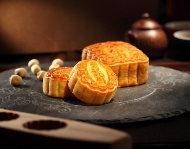 The Ritz-Carlton has creamy, rich white lotus paste double yolk mooncakes.