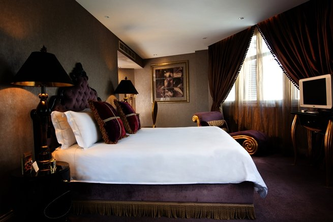 The uninhibited style of The Scarlet is followed through in the 80 rooms, including five individually-themed suites, each with a tantalising name, including this one -- Splendour.