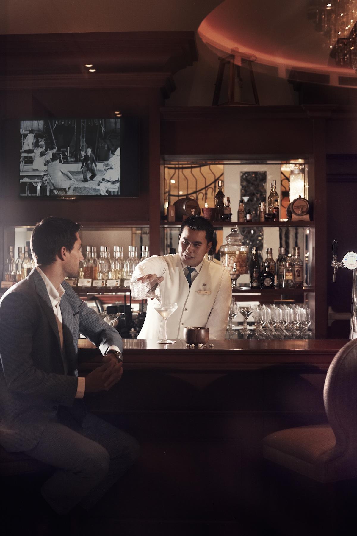 Long Bar, Raffles Makati