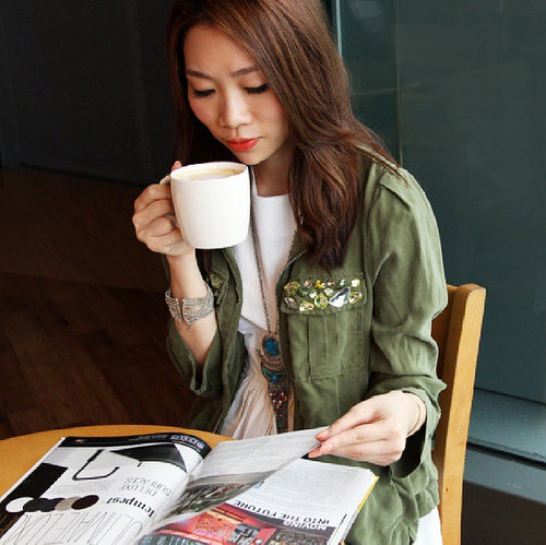 Hong Kong Fashion Blogger Janice Lee
